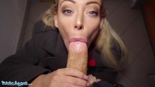 Public Agent a sexy australanka Isabelle Deltore 👌❤