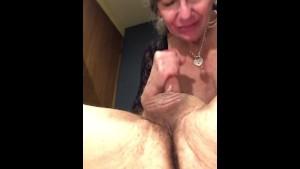 Babka vykouří svého starého manžela💪🏽💪🏽