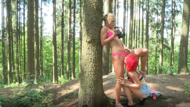 Víly honilky si dělaj dobře v lese 👩🦰👩🦰